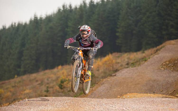 graham gives it a go with the Santa Cruz syndicate